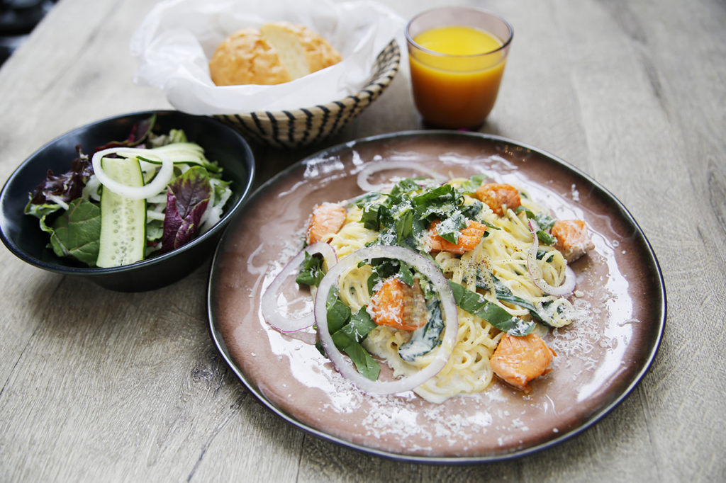 パスタランチ ¥1680(bread & salad & drink bar)